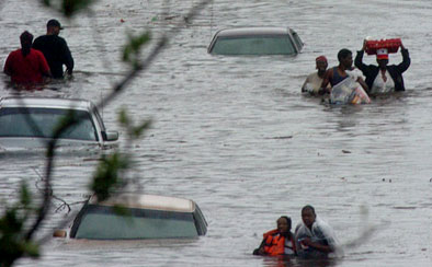 New Orleans residents try to find dry ground
